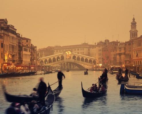 Romantic Honeymoon Gondala in Venice